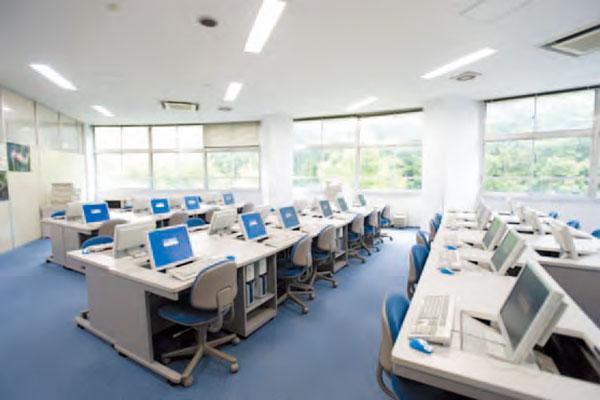 第1情報処理室
